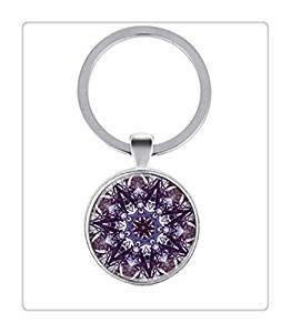 llavero plateado con mandala violeta