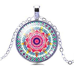 colgante mandala plata con dibujo colores vibrantes