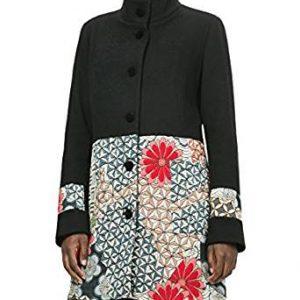 Abrigo paño negro con bajo acolchado estampado floral
