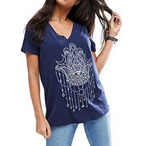 camiseta azul con dibujo mano de fátima atrapasueños